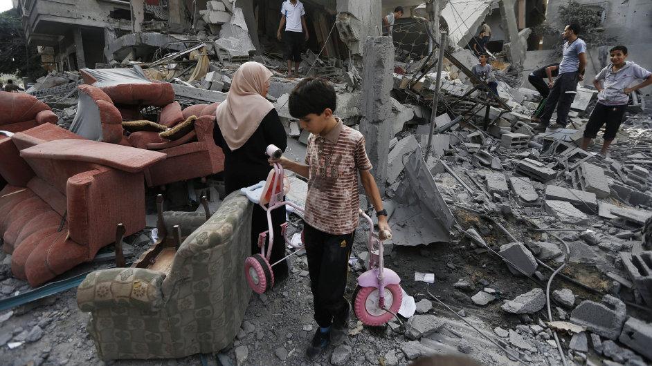 Raketa zničila uprchlický tábor OSN nacházející se v pásmu Gazy.