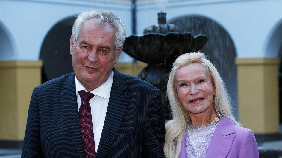 Prezident Miloš Zeman se zná s herečkou Jitkou Frantovou Pelikánovou osobně.
