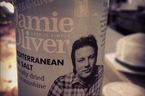 Šéfkuchař Jamie Oliver v boji proti dětské obezitě: Zaveďte daň na cukr, vyzývá britskou vládu