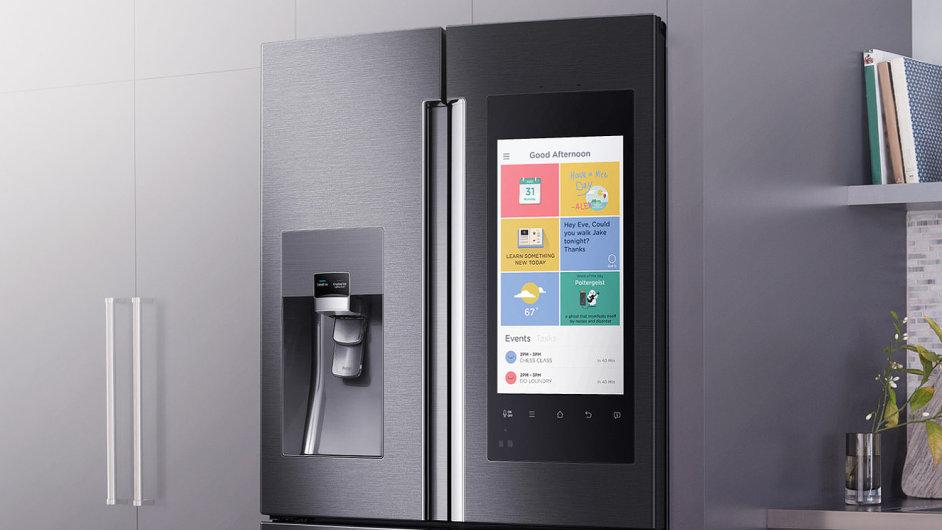 Chladnička se zabudovaným tabletem Samsung Family Hub