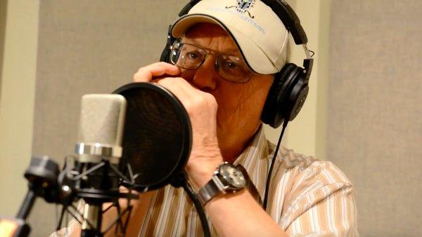 Charlie McCoy od roku 2001 spolupracuje s Druhou trávou Roberta Křesťana.