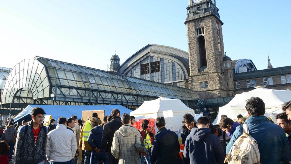 Ještě počátkem prosince 2015 bylo hlavní nádraží v Hamburku obležené uprchlíky.