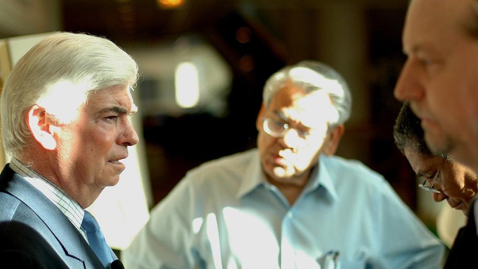 Chris Dodd (vlevo) během prezidentské kampaně v roce 2007. Nyní jednal s premiérem Sobotkou o filmových pobídkách.