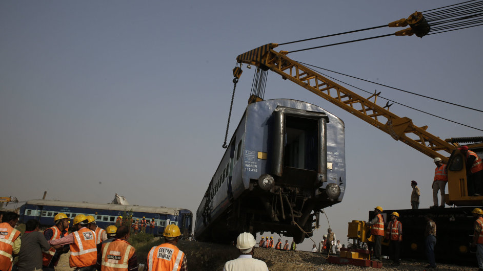 nehoda, vlak, Indie