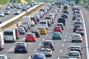 Autem po Evropě: Nejdražší benzin je v Norsku a kouření ve voze v Itálii může vyjít draho