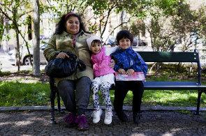 Tři příběhy: Jsem jejich babička, ale zároveň pěstoun, mám je ve výchově. Celkem čtyři...