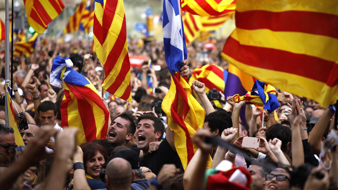 Katalánsko vyhlásilo nezávislost.