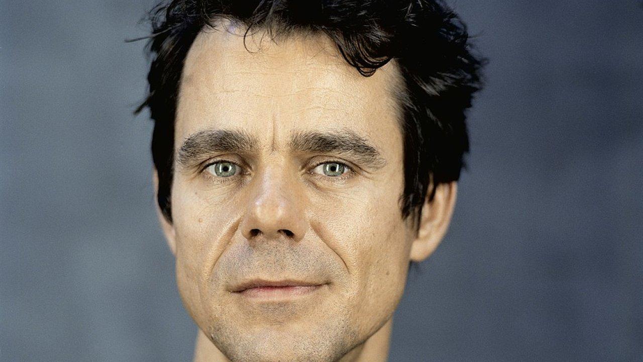 Tom Tykwer nedávno natočil šestnáct dílů seriálu Babylon Berlin.