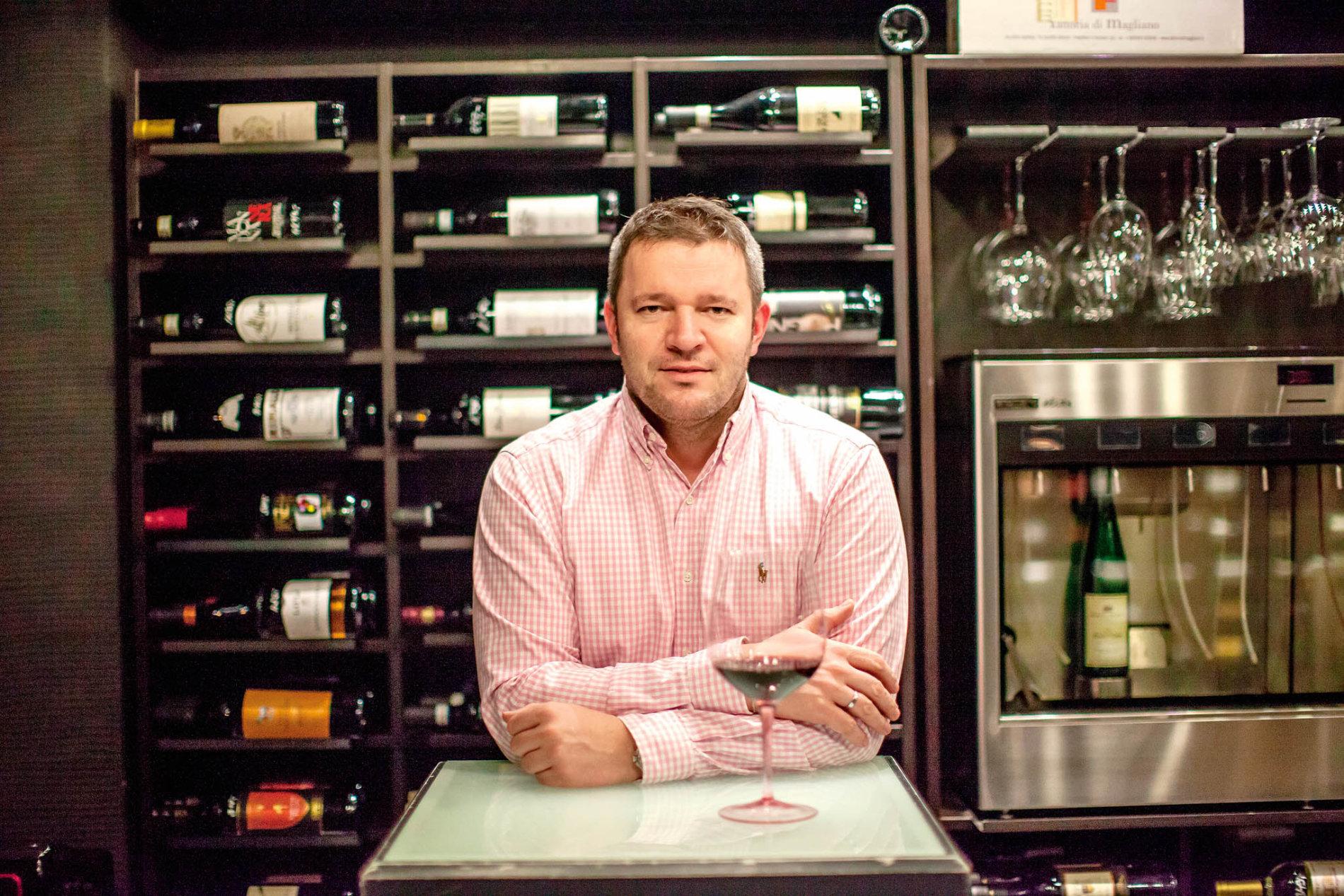 David Kuchař nakupuje víno pro zhruba desítku bohatých klientů.