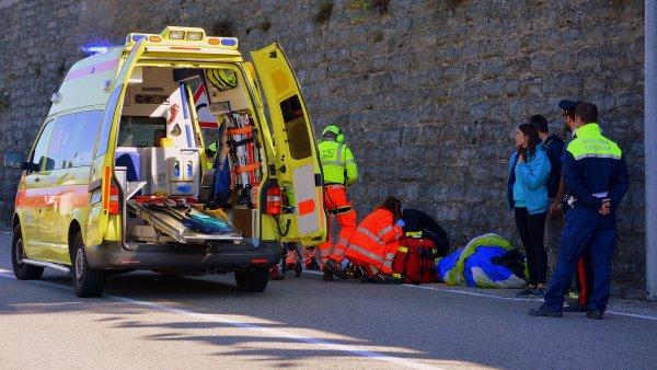 AD Aware Traffic Control – Emergency Vehicles je cloudová platforma pro řízení provozu vozidel záchranné služby, ilustrace