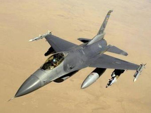 Stíhací letoun F-16 používaný ve válce v Perském zálivu
