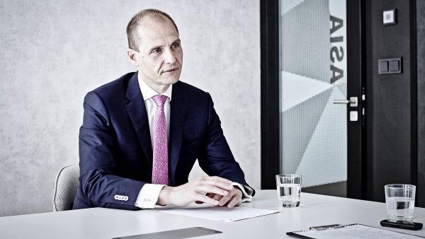 Partner mezinárodní advokátní kanceláře DLA Piper Miroslav Dubovský.