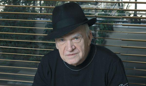 Jedním z plánovaných cílů sledování sovětskou tajnou službou byl i spisovatel Kundera.