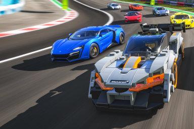Všechno je tu boží: Microsoft přidal do závodní hry Forza Horizon auta a stavby z kostek Lega