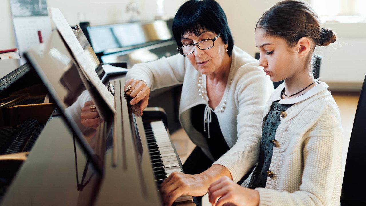 Podle Soudního dvora EU seIn-pulso Musical měla zajímat oto, co sestalo sezaměstnanci jejího předchůdce, apřípadně je nechat veškole dál vyučovat nebo je propustit pro nadbytečnost.