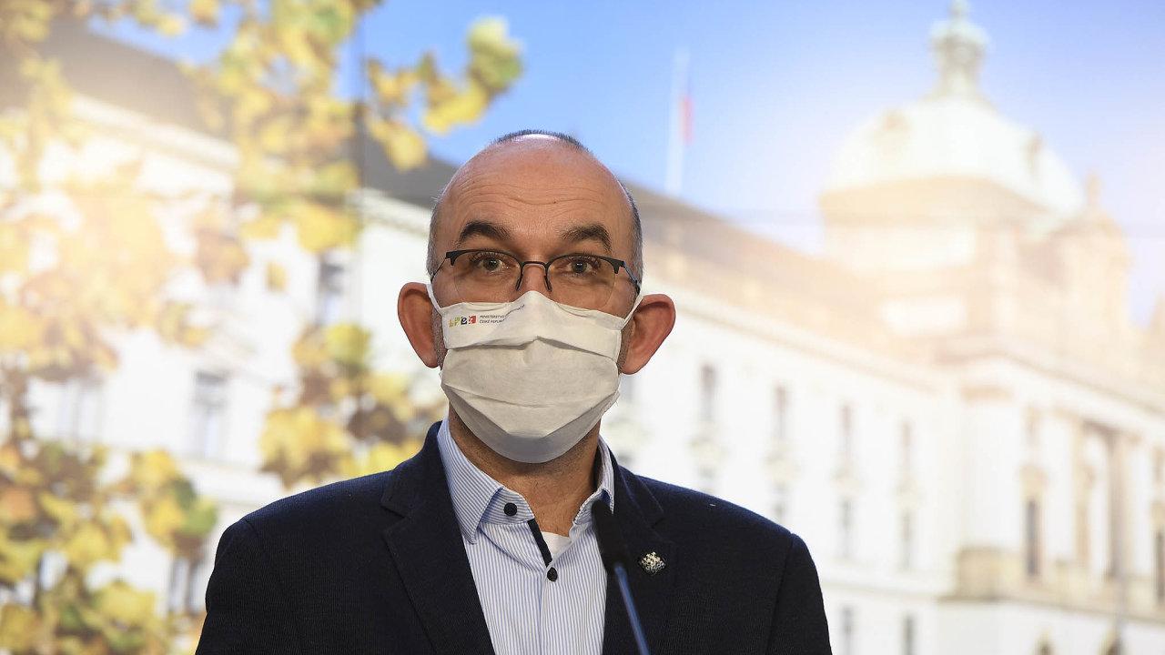 Ministr zdravotnictví Jan Blatný (zaANO) přiznal, že uvolnění pravidel pravděpodobně zastaví další pokles počtu nakažených.