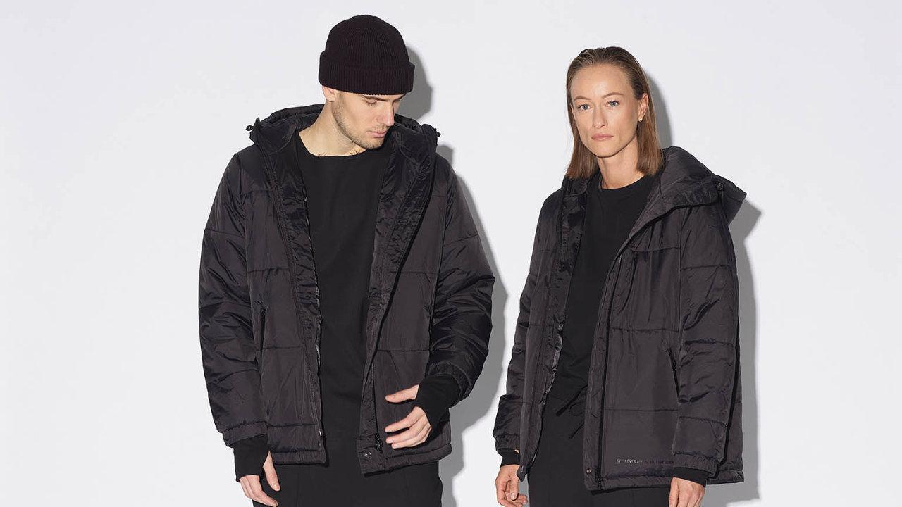 Wolfgang, dnes už známá česká urban značka, pro kterou je typická čistota, minimalismus, oversize atři hlavní barvy: černá, šedá abílá.