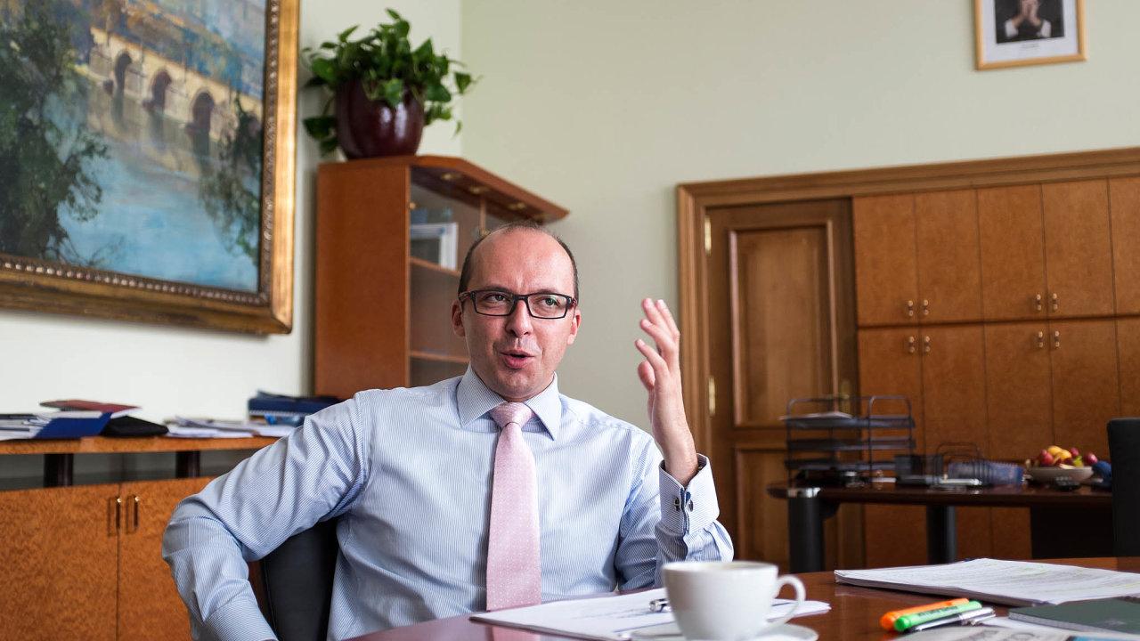 """""""Významní investoři už zmiňovali skutečnost, že by se nebránili, kdyby část jejich daňových výnosů končila vrozpočtu měst,"""" říká František Lukl."""