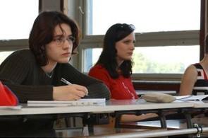 Státní maturitu si letos vyzkouší tisíce studentů