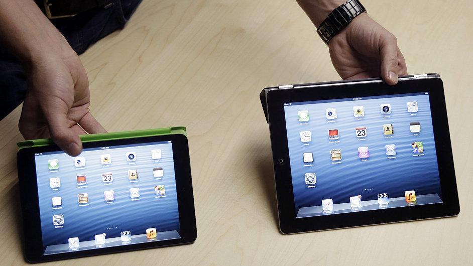 Apple představuje svůj iPad mini.
