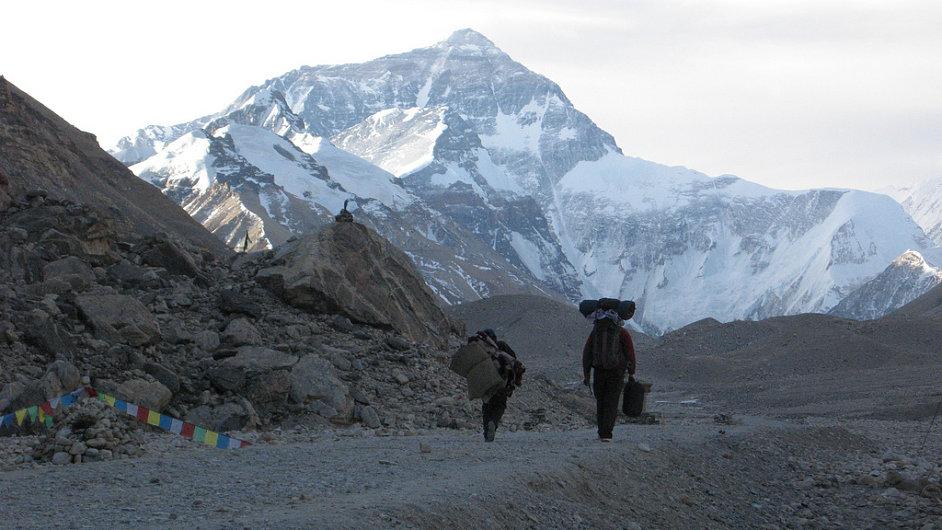 Mount Everest z tibetské strany