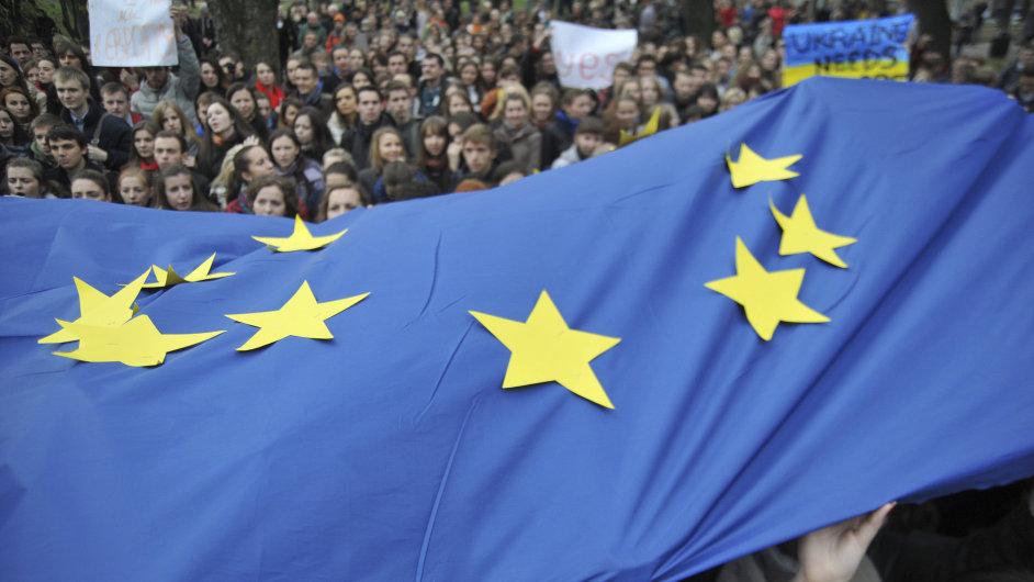 EU se s Ukrajinou dohodla na podmínkách poskytnutí finanční pomoci.