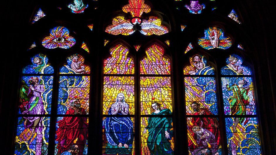 Jaroslav Skuhravý je předním světovým odborníkem na vitráže. Restauroval i tu v pražské Katedrále sv.Víta. (na snímku)