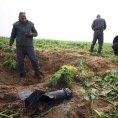 Izraelci si prohl�� m�sto, kam dopadla raketa z Gazy, 19.12.2014