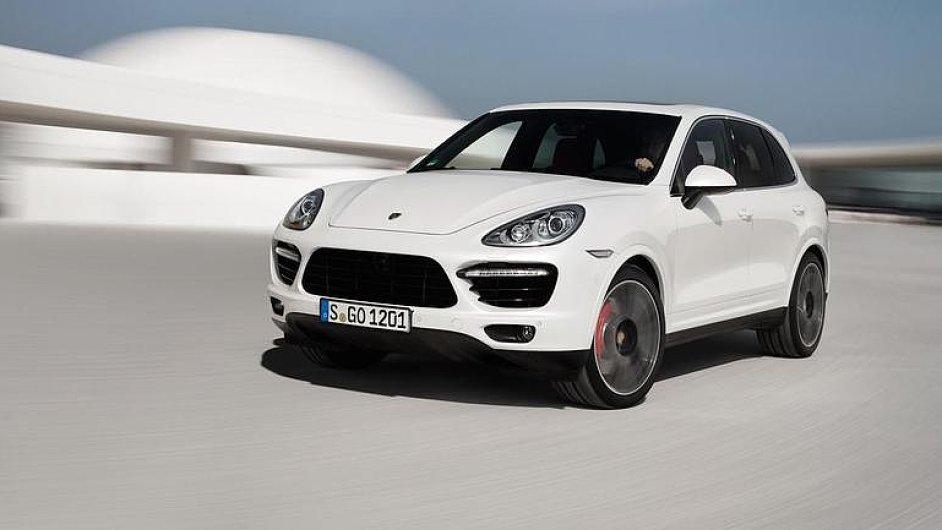 Bílé Porsche Cayenne Turbo