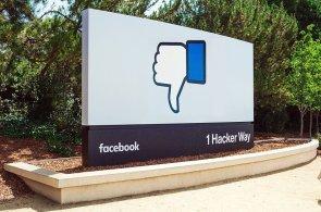 """Facebook pracuje na tlačítku """"Nelíbí"""". Potvrdil to přímo Zuckerberg"""