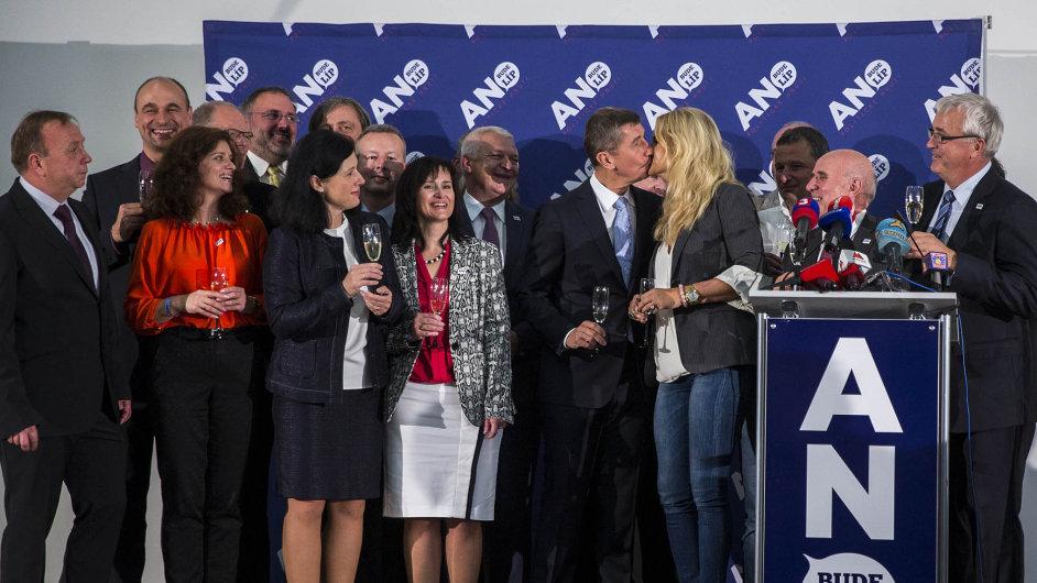 Úplně Nová Lepší Strana si sice neříká nikdo z nich, ale prošli stejným procesem: hnutí ANO založené v roce 2011...