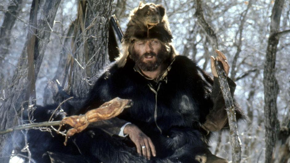 Jeremiah Johnson se vydal dohor, aby vdivočině mezi indiány žil svobodně jako zálesák. Redford se vtitulní roli zamiloval dopřírody aamerických hor.