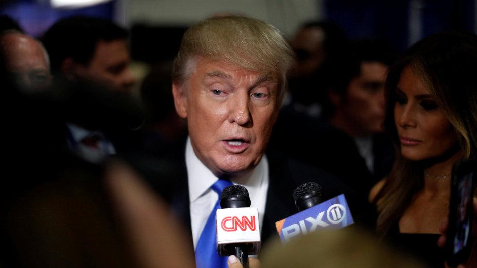 Clintonová nemá na prezidentku dostatečnou výdrž, řekl Trump