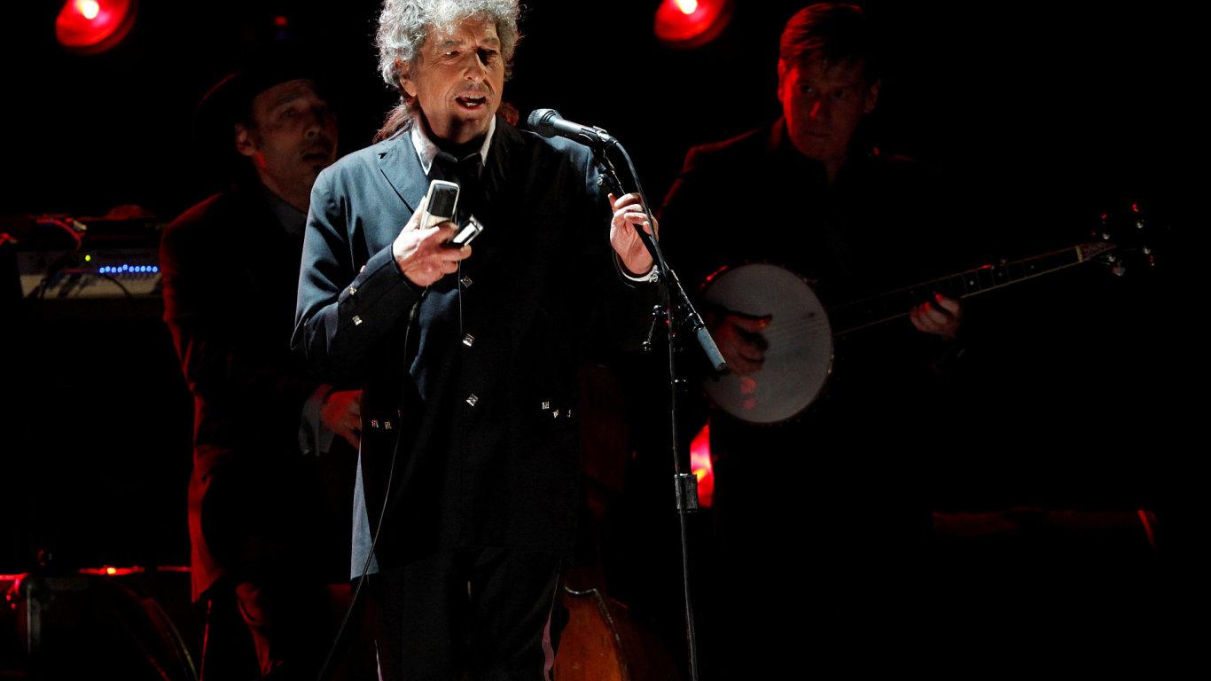 Bob Dylan se až na výjimky nenechává fotit. Tento snímek pochází z ledna 2012.