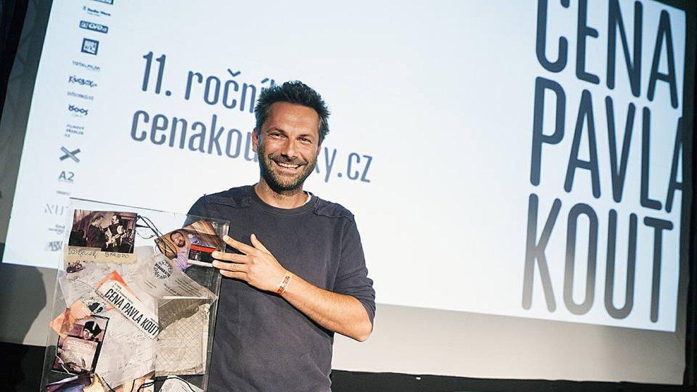 Autorem vítězného snímku 5 October je dokumentarista Martin Kollár.