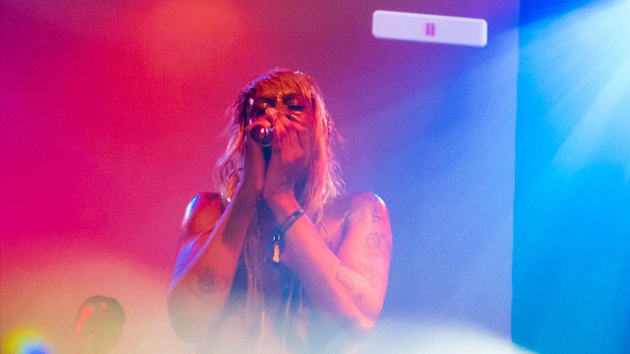 Mykki Blanco si vystoupení naCreepy Teepee vysloveně vybrala– vKutné Hoře koncertovala už vroce 2014 aatmosféru chtěla zažít znovu.