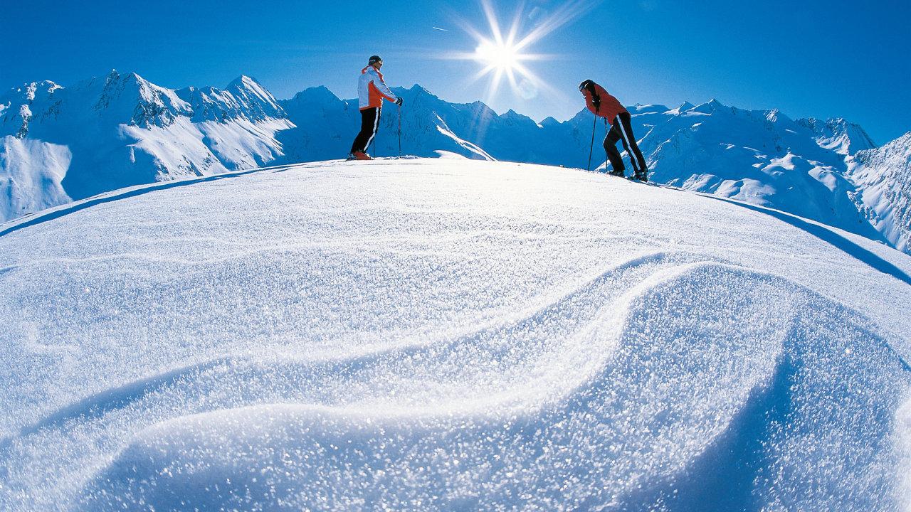 V Česku lyžaři zahájí sezónu už 18. prosince, v zahraničí ale mají spíše smůlu. Ilustrační foto