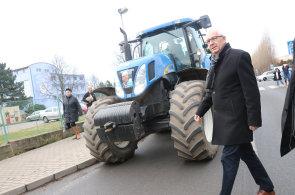 Jiří Drahoš se během kampaně snažil oslovit právě voliče v regionech, na vítězství to ale nestačilo - Ilustrační foto.