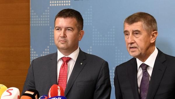 Jan Hamáček bude řídit kromě ČSSD také ministerstvo vnitra i zahraničí.