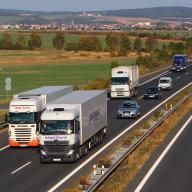 Předjede ho? Ministerstvo dopravy zvažuje zákaz předjíždění kamionů na vybraných úsecích dálnic.