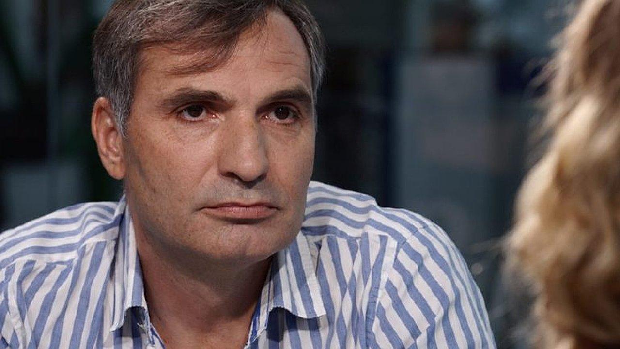 Zpěvák a herec Jiří Macháček.