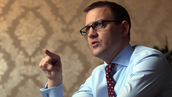 Miliardář Daniel Křetínský je zase o něco blíže k ovládnutí velkého plynového naleziště na Donbasu.