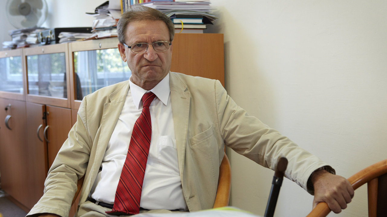 Prorektor ČVUT a bývalý ministr dopravy Petr Moos