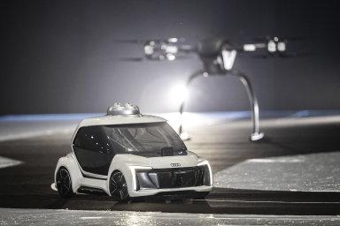 Audi a Airbus společně představily v Amsterdamu prototyp prvního létajícího samořiditelného taxíku