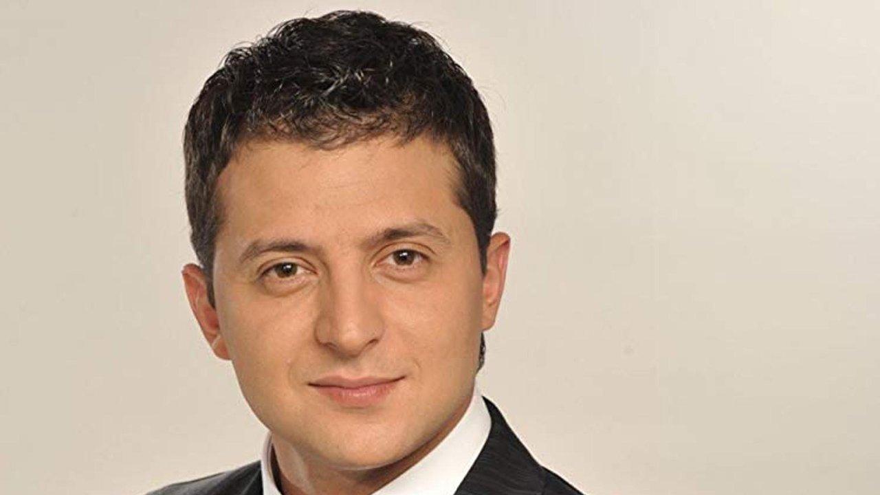 Volodymyr Zelenskij: ukrajinský prezident ztelevizního seriálu Služebník lidu.