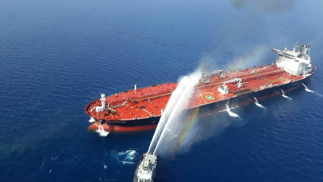 Nastranu USA, které obviňují Írán zútoku nadva tankery, se ovíkendu přidala také Saúdská Arábie.