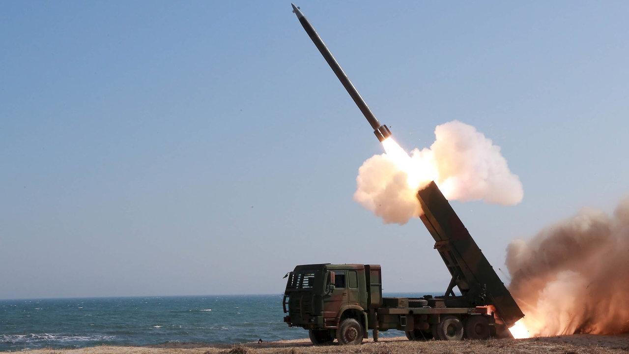 Mezinárodní společenství se obává i jaderného programu komunistické Severní Koreje.