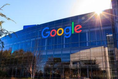 Zatímco český Seznam do české státní poklady odvedl loni přes 280 milionů korun, jeho konkurent Google jen necelých devět.