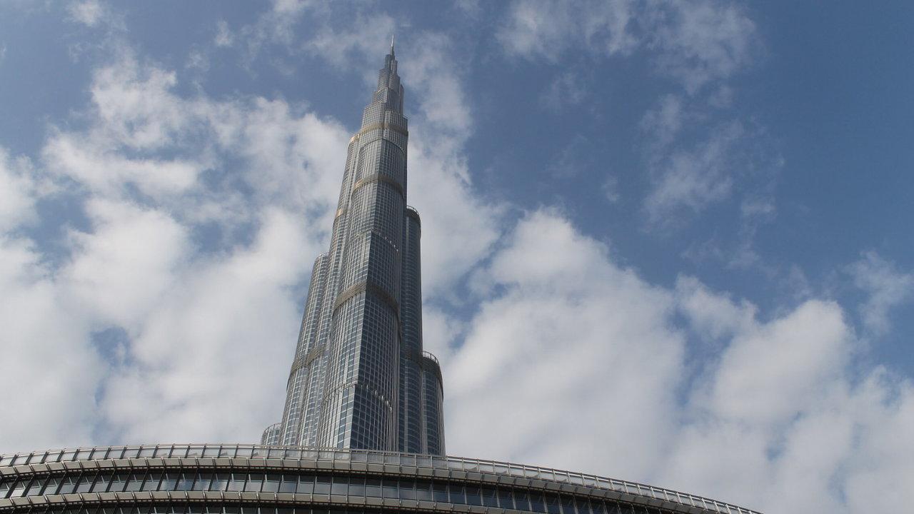Nejvyšší budova světa Burdž Chalífa v Dubaji.