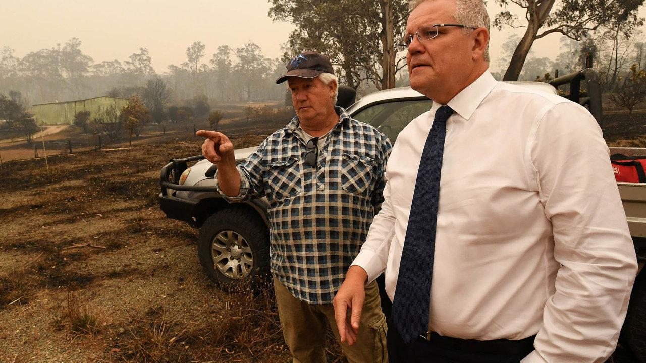 Australský premiér Scott Morrison varoval, že požáry mohou trvat ještě měsíce.